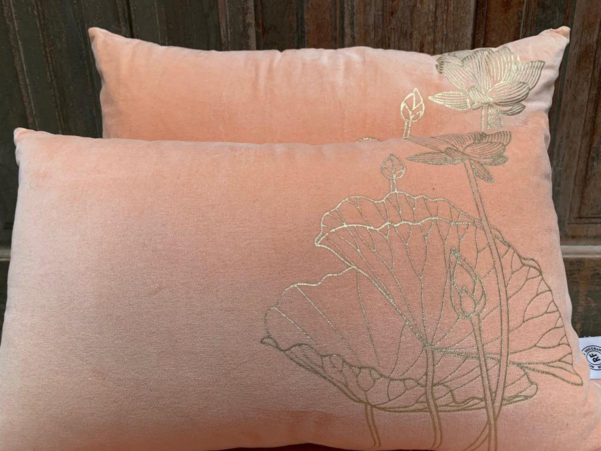 cushion velvet peach print lotusflower gold 60x40cm