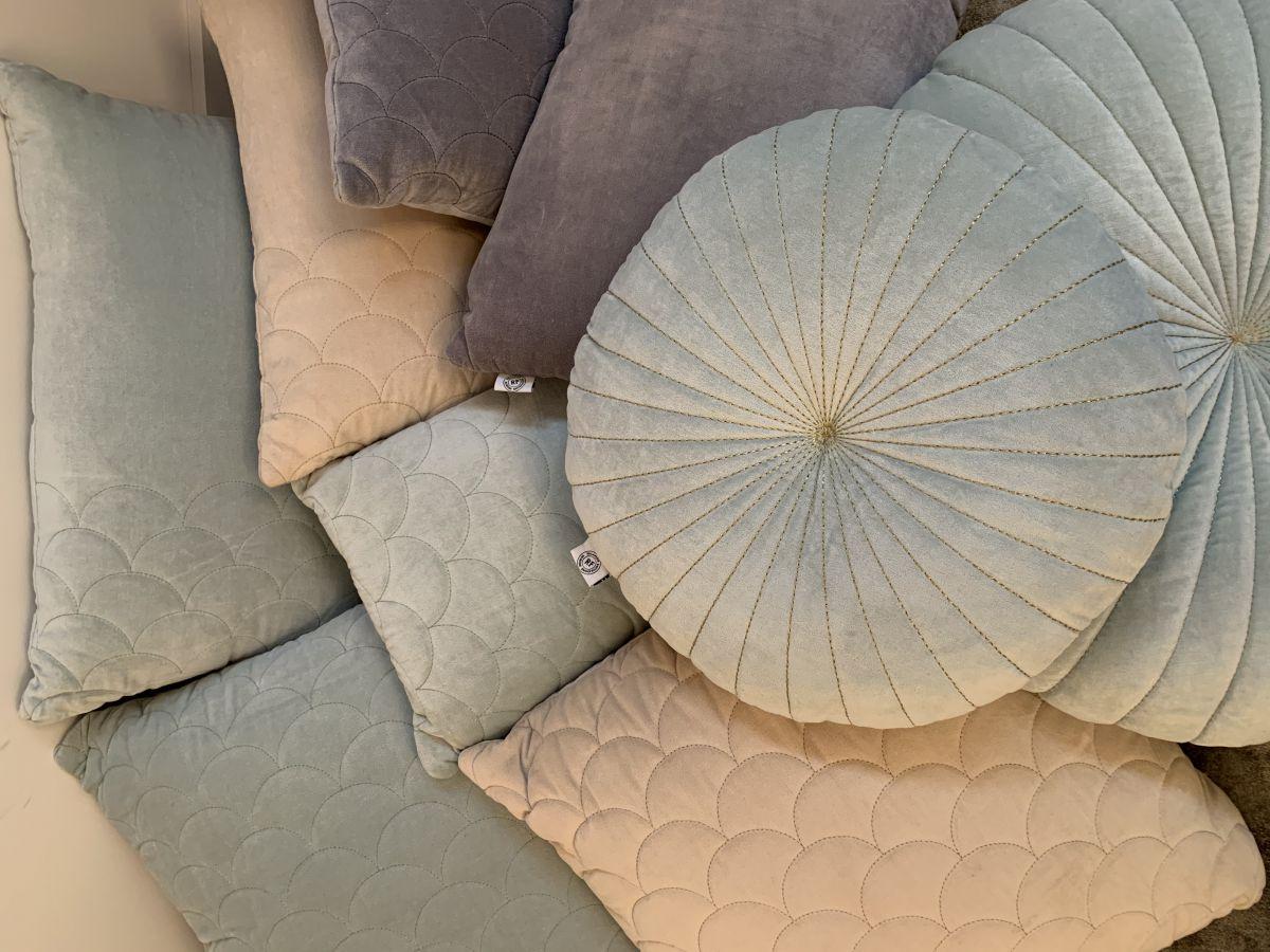 kussen fluweel pale aqua boogpatroon 50x50cm