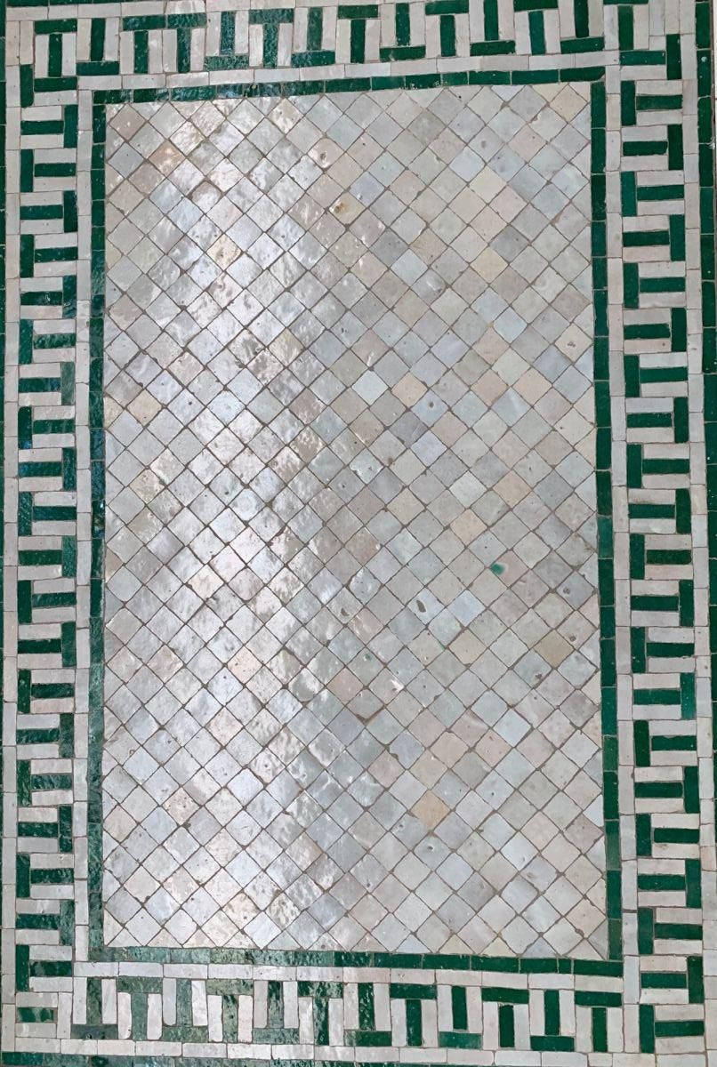 mozaiek tafel salon lounge groengrijs retro 69x1195 hg 48 cm